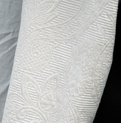 Cream Matelasse Sleeve Detail
